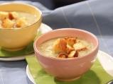 Карфиолена супа с горчичени крутони