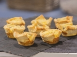 Хлебни мъфини с яйца и сирене