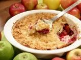 Кръмбъл с горски плодове и ябълки