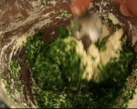 Пилешка супа с магданозени кнедли 5