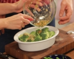 Салата от печени броколи и бадеми 4