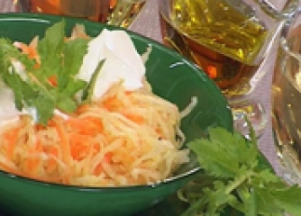Салата от бяла ряпа и моркови