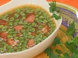 Грахова супа с наденица