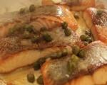 Сьомга с каперси върху канапе от картофи 4