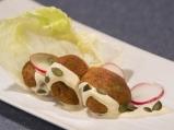 Фалафели с тиквени семки и таханов сос