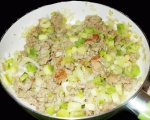 Мусака с кисело зеле върху картофена палачинка 2