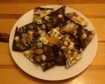 Шоколадови блокчета с плодове и ядки