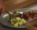 Свински хапки с гарнитура от картофи 8