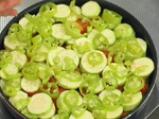 Кюфте върху зеленчуци