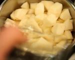 Петифури със солен карамел и круши 2