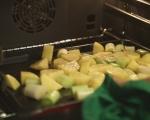 Супа от печени зеленчуци с хрупкави банички