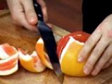 Плодова салата с медено-джинджифилов дресинг