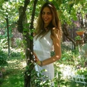 Иванина Николова